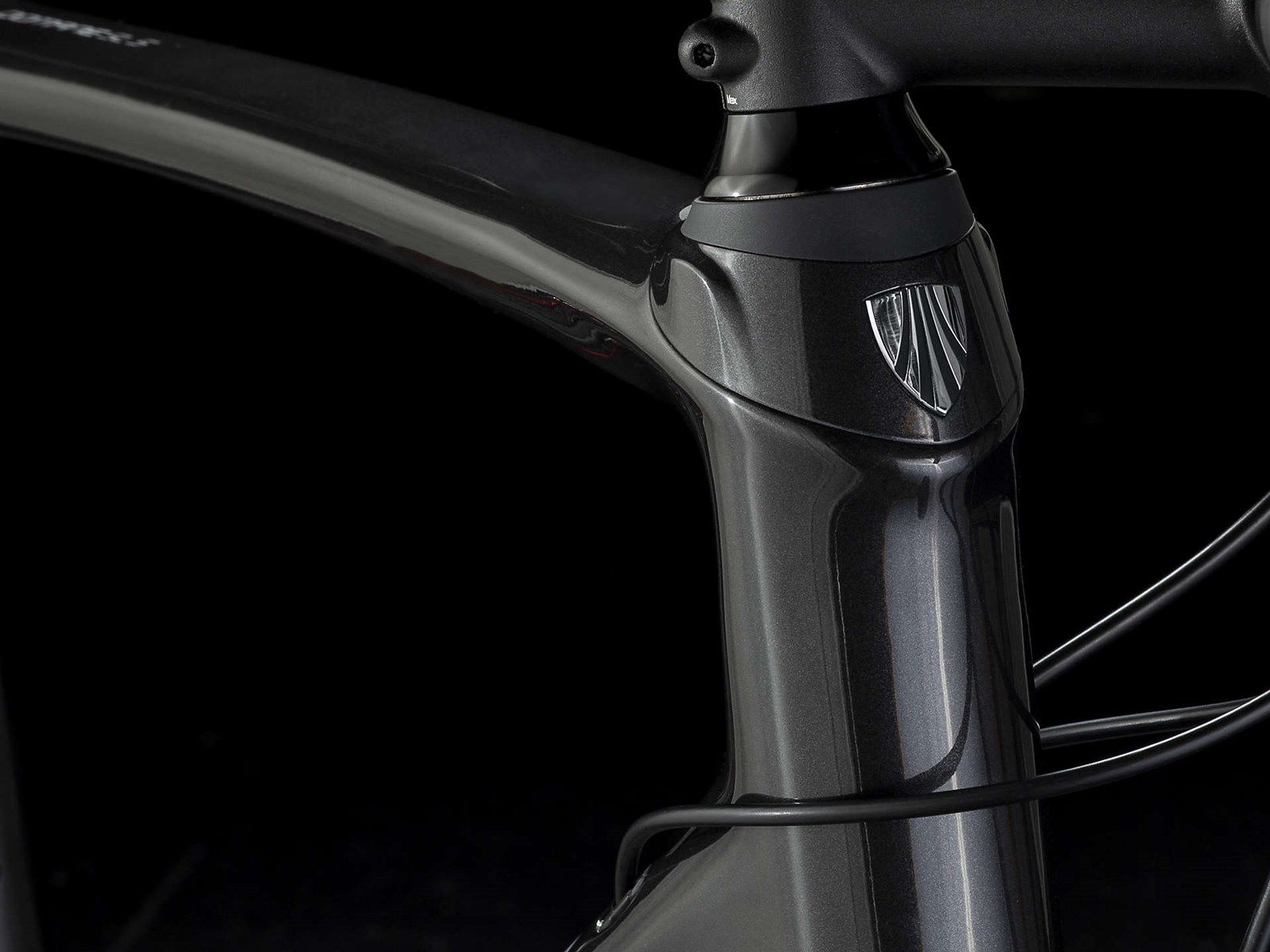 Trek Domane SL 5 Disc Mens Carbon Road Bike 2019 - Black/Red